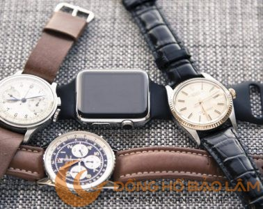 Nên-đeo-smart-watch-hay-đồng-hồ-truyền-thống